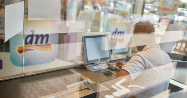 Kassenbereich im dm-Markt - (c) dm-drogerie markt GmbH